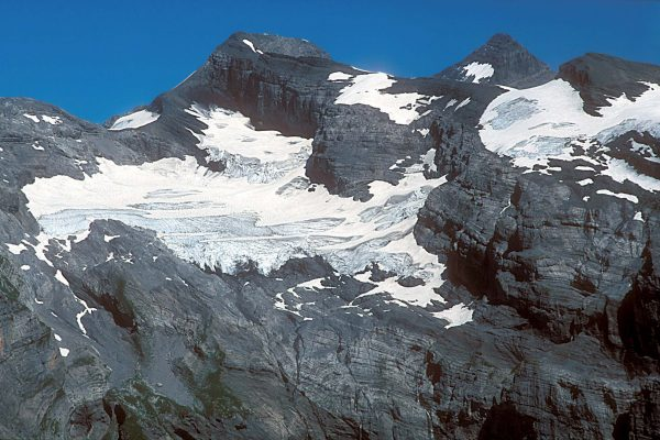 12. Le glacier du Ruan (Haut Giffre) occupe un petit cirque glaciaire © CNM