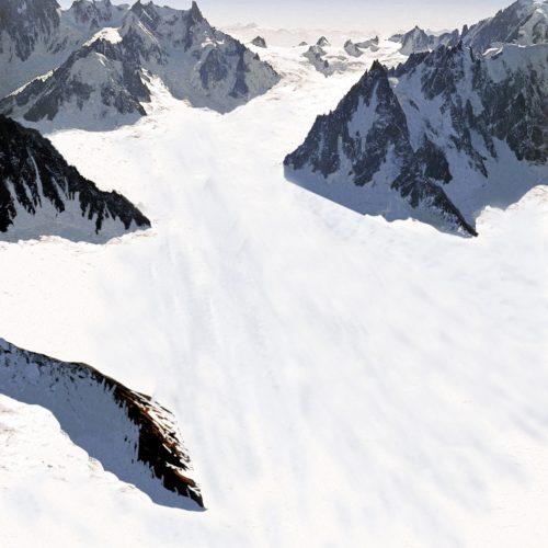 Reconstitution du bassin de la Mer de Glace.. A gauche: en 1997; à droite: au dernier maximum glaciaire.