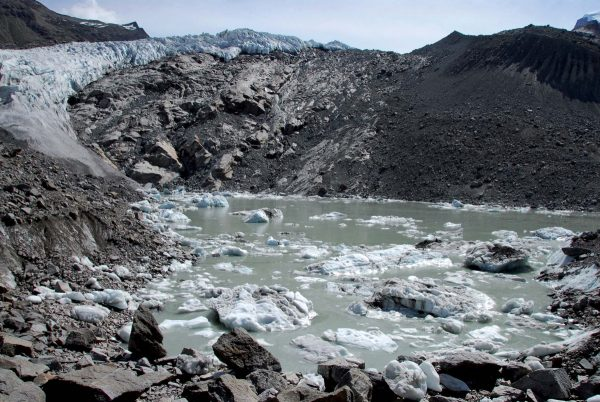 Lac supra-glaciaire du Gorner en 2006