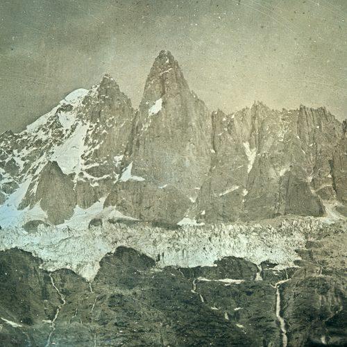 En 1848 la Mer de Glace en crue déborde les rochers des Mottets daguerréotype de Ruskin 1848