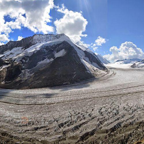 Konkordiaplatz∏ Aletsch Glacier Trek