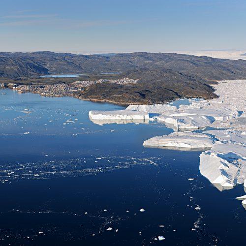 Le glacier Ilulissat à son débouché du fjord sur la pleine mer