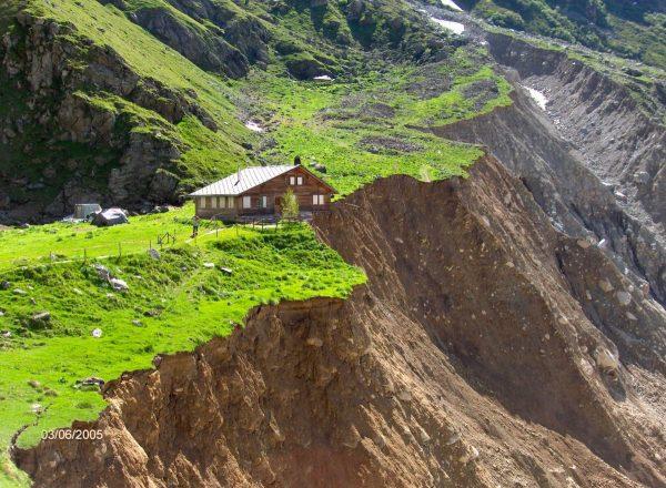 Démantèlement de la moraine latérale droite du glacier inférieur de Grindelwald (alpe de Bäregg)