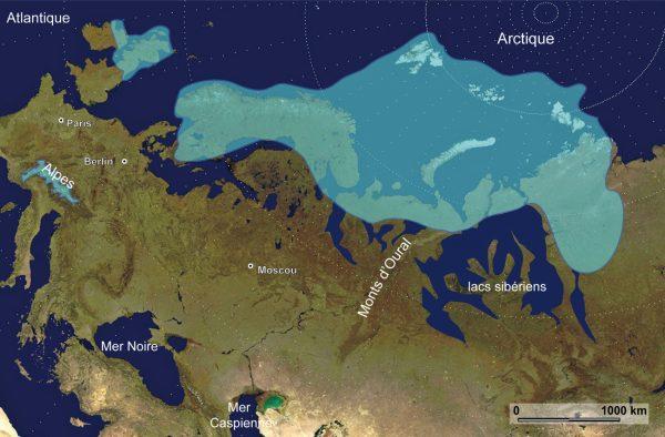 Reconstruction de la calotte Eurasienne il y a 90 000 ans (programme QUEEN), cette calotte a barré les rivières sibériennes et d'immenses lacs pro-glacaires sont apparus (Mangerud et al., 2004).