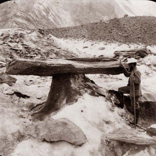 Table glaciaire sur le glacier de L'Unteraar 1849, Dolfus Ausset ©JHV